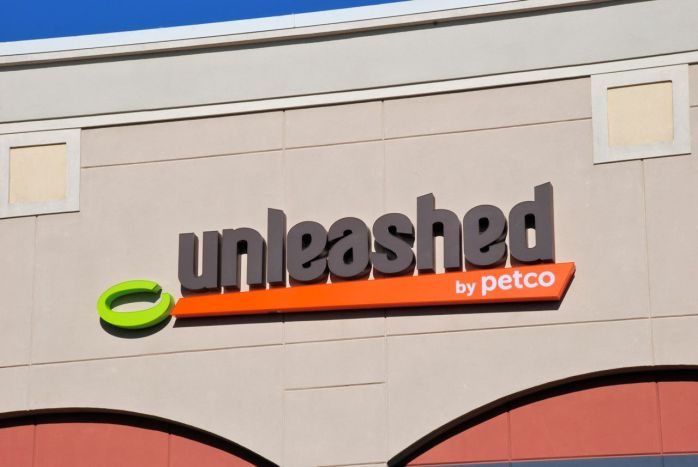 unleashed_by_petco_sign_2013